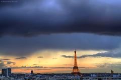 Front nuageux Parisien (bertrand kulik) Tags: light sunset sky cloud sun storm paris france soleil eiffeltower ciel lightning nuage orage bertrandkulik