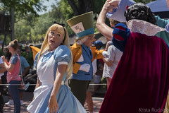 Festival of Fantasy Parade, Alice (krmrudolph) Tags: florida alice character disney parade disneyworld waltdisneyworld themepark magickingdom aliceinwonderland festivaloffantasy