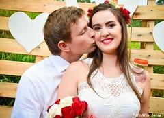 O amor  (Mh :)) Tags: tiara love kiss heart amor beijo corao casamento rosas noiva tatuagem palets tiaradeflores