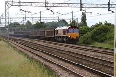 66075 @ Coppenhall - Crewe (uksean13) Tags: train canon cheshire diesel rail railway crewe freight dbs class66 ews ef28135mmf3556isusm 66075 coppenhall dbschenker 760d