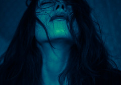 Alice et l'Inconnu (martamoskov) Tags: hello blue portrait green art me girl face female self dark hair neck shadows autoportrait artistic mysterious welcome