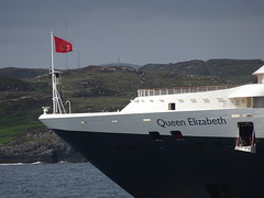 Bow & flag on Cunard Queen Elizabeth liner off Stornoway - taken from Caledonian MacBrayne MV Loch Seaforth (iainh124a) Tags: uk scotland sony cybershot cunard sonycybershot oceanliner cruiseliner arnish stornowayharbour iainh124a dx90 dschx90 dschs90v dx90v