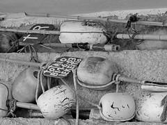 matriel des bateaux de pche- Lekeitio (chrdraux) Tags: espagne paysbasqueespagnol euskadi blackandwhite matriel pche pcheurs filets canneenbambou cordes