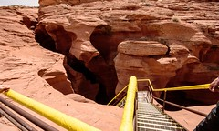 Arriving at the stairs that take you down into the Lower Antelope Canyon (maaachuuun) Tags: lowerantelopecanyon page az
