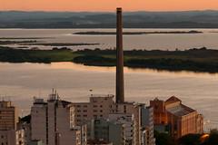 Horrio de Vero inicia dia 16 de outubro (Grupo CEEE - Rio Grande do Sul - Brasil) Tags: centrohistrico entardecer fotogugamarques gasmetro portoalegre rs ruadosandradas usinadogasmetro