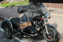 Black motorcycle with a sidecar (irio.jyske) Tags: black motorbike suzuki side car autumn september nice sigma canon