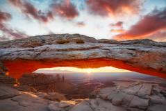 Sauron (Eddie 11uisma) Tags: park sunrise landscapes utah arch desert national canyonlands eddie mesa sauron lluisma