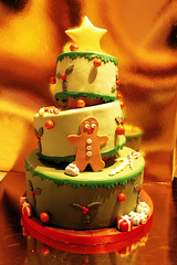 Tarta arbol de navidad- Christmas tree (machussweetmeats) Tags: christmas tree cake arbol navidad tarta sloping fondant inclinada