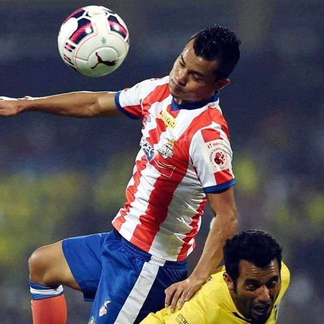 HERO INDIAN SUPER LEAGUE  FINAL MATCH 2014 :  KB VS ATK    ATLETICO DE KOLKATA WIN HERO INDIAN SUPER LEAGUE CHAMPIONS TROPHY BY 1-0 SCORE OVER KERALA BLASTERS IN THE VERY LAST MINUTE OF THE MOST ATTENDED MATCH  IN DY PATIL STADIUM, MUMBAI, INDIA