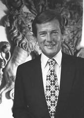 Roger Moore (photographié par Allan Warren) en 1973 (Véronique3) Tags: en allan moore warren roger 1973 par photographié