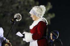 tree_102 (Fort Sill Cannoneer) Tags: christmas holiday santaclaus davidcarr shortround fieldartillery treelightingceremony fortsill airdefenseartillery mcnairhall glennwaters brianlindsey halfsection johnrossi bigdeuce 22ndfa holidaytreelightingceremony marieberberea corviasmilitaryliving ellenlechel