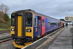 153318 - Swindon (AJHigham) Tags: station great swindon first class via western westbury 153 sprinter dmu melksham dogbox fgw servive 153318