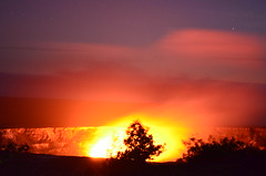 Halemaumau Firepit! (volcanoimage) Tags: lake de lago island volcano hawaii lava big lookout observatory hawaiian eruption kilauea halemaumau volcan erupcion