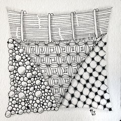 This was the second tile we made in the beginners #zentangle class with Sue Clark. 2015-19 (kurki15) Tags: square squareformat zia zentangle zendoodle iphoneography instagramapp uploaded:by=instagram zentangleinspiredart 2015zentangleaday 2015zenjan