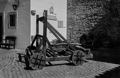 Middle Ages Toys 761 (_Rjc9666_) Tags: castelo castle catapulta machinery medieval nikond5100 portugal street tokina1224dx2 urbanphotography weapon catapult middleages ruijorge9666 loul farodistrict pt 1430 761