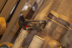 Showcase in old style (natale.riili) Tags: san lucca michele piazza vetrina riflessi atmosfera tromba retr strumenti musicali cappelli flicorno