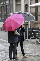 ...in the rain... (Alexandra Buss) Tags: pink persons regenschirm schirm farbtupfer