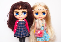 ADG girls! (Tales of Karen) Tags: red pretty blonde blythe brunette paisley comparison roaring adg ashtondrakegalleries