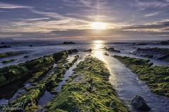 Barrika (A.Coleto) Tags: verde sol atardecer mar agua nubes barrika lucroit