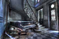 Another POV (urban requiem) Tags: old urban france castle abandoned stairs lost decay piano sigma treppe staircase queue chateau exploration schloss derelict chteau escalier hdr verdure verlassen kasteel urbex marches abandonn 816 verlaten damier 600d colire pianoqueue tayage chateaudelcolire chateauverdure