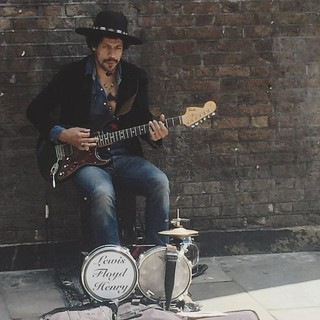 Lewis Floyd Henry performing on Brick-lane #london #EastLondon #music #busker #busking #summer @lewis.floyd.henry
