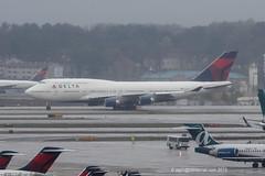 N672US - 1999 build Boeing B747-451, taxiing to the International Terminal at Atlanta (egcc) Tags: atlanta atl dal delta jackson boeing dl b747 1223 hartsfield deltaairlines b747400 katl 6312 b744 skyteam 30267 n672us b747451
