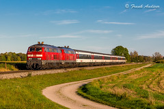 218_422-4 + 218_xxx + carrozze sbb a WIEDERGELTINGEN 09 ottobre 2014 (Frank Andiver - Trains, transports and more...) Tags: train canon frank photo photos rail trains rails locomotive treno germania 218 treni baviera ferrovie binario andiver wiedergeltingen ic192