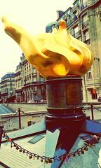 La flamme de la liberté (romainclm) Tags: paris liberté ladydiana flammedelaliberté tunneldelalma avenuedenewyork