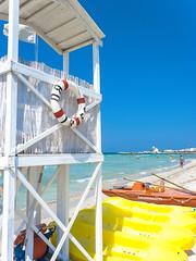 Italy (https://tinyurl.com/jsebouvi) Tags: blue red sea sky verde azul rouge mar holidays vermelho ceu gree italie 2012 août apulia sauveteur salvataggio sauvetage pouilles