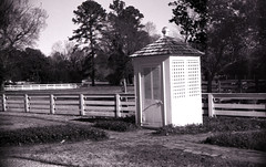 20141211AA-001 (dungan.robert) Tags: bw white black film 35mm virginia williamsburg colonialwilliamsburg argus orwo un54 caffenolccl copyrightrobertedungan2014 ano38255