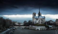 Saint Michel (CFpic) Tags: bridge paris france seine stream sony notredame filter fleuve neutraldensityfilter neutraldensity a99 dslt slta99
