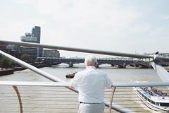 il nonno di Jurassic Park senza cappello (Alice Pietrobon) Tags: travel people urban london art photography arch londra stree architexture travellondon