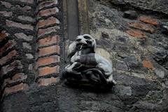 Talbot (HoosierSands) Tags: london islington talbot charterhouse heraldicdog