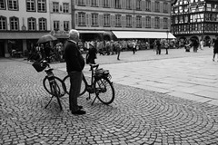 _DSF0381 (Marion H Photo) Tags: street city people white black monochrome photography live bikes fujifilm x100t