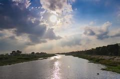 Chu Giang (tuyen_123_9x) Tags: sky sun river pentax vietnam lensflare flare tamron f28 1735 sng k01 ngcsng