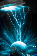 Plasmablitz (Silaris Inc.) Tags: de deutschland licht plasma strom nordrheinwestfalen umspannwerk elektrisch gerte elektrizitt recklinghausen blitze