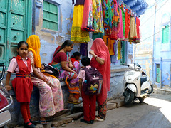 Jodhpur - the Blue City: more colour (s.e.a.n.i.o) Tags: street city blue india color colour girl kids children alley paint dress indigo alleyway sari rajasthan jodhpur womwn seanio