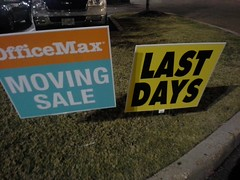 Sad last days (Office Max Horn Lake: the final chapter, part 1) (l_dawg2000) Tags: retail vintage mississippi ms closing clearance 90s officesupplies officemax hornlake officesupplystore