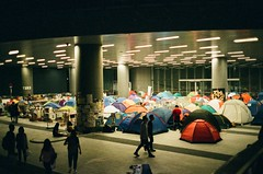 Camping in Umbrella Revolution (Gerard0804) Tags: street leica film umbrella movement shoot fuji superia iso 1600 hong kong f2 40mm m6 2014 fujicolor summicronc leitz umbrellarevolution