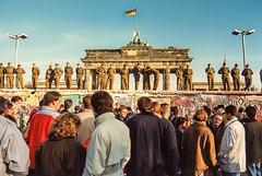 25 years ago in Berlin (3) (Lens Daemmi) Tags: berlin wall germany deutschland photo scanned brandenburgertor mauer mauerfall falloftheberlinwall 11111989