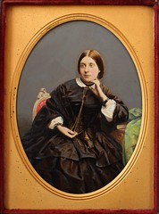 English ambrotype (Le merle tourdi) Tags: uk england lady photo hand dress robe antique painted femme victorian young plate half ambrotype angleterre 12 peint coloured tinted xix 1850 1860 jeune royaumeuni teint