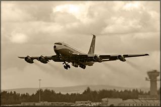 N707JT Boeing 707-138B Qantas (John Travolta)