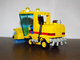 Rear of LEGO Set 6649 Street Sweeper