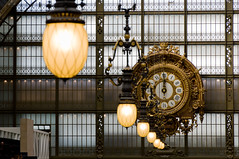 Muse d'Orsay, Paris (Bomboclack) Tags: light paris france art clock colors yellow museum architecture jaune french photography 50mm gold photo nikon frankreich europe arte graphic time gare lumire couleurs or interieur capital picture culture frana pic muse historic inside lamps horloge capitale fullframe nikkor f18 18 fx temps francia ff franais cultura parijs pars obras  parigi madeinfrance musedorsay aiguilles lampes dor graphique d600 parisien pary parys  dorsay garedorsay pariis horlogerie parizo paris7e museudeorsay pleinformat pars