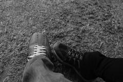 Compaa (Pablo Retamal Venegas) Tags: chile santiago bw amigos blanco y negro amistad grises compaa