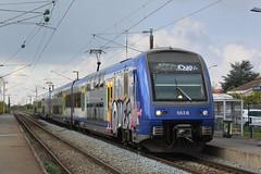 SNCF TER 563+5xx (Openbaar vervoer in Europa) Tags: lens lille sncf bethune z23500 wavrin