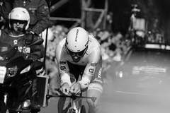 Against the time and oneself (RW-V) Tags: bw monochrome cycling noiretblanc nederland thenetherlands nb ciclismo sw paysbas fietsen giro apeldoorn niederlande  zw wielrennen giroditalia fabiancancellara cancellara 100faves 1500views individualtimetrial soerenseweg 80faves 120faves canoneos60d canonef70300mmf456lisusm giroditalia2016