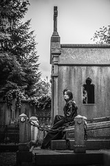 Shooting - Abysse 014 (Thomas Mathues) Tags: portrait cemetery graveyard dark model photoshoot mourning belgium belgique tomb gothic goth shooting widow gothique tombe cimetire modle hainaut