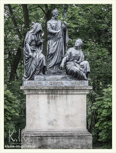 Gedenkstaette Heldenberg, NOE: die drei parzen | 2015-05