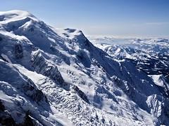 Mont-Blanc (Manon Ridet) Tags: mountain france montagne hiver ciel neige chamonix froid montblanc alpinisme escalade aiguilledumidi